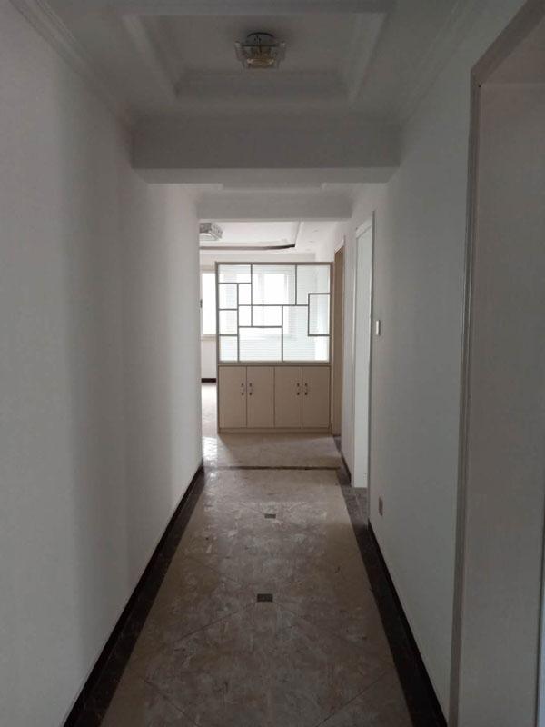 大儒世家电梯四楼,面积133平四室两厅两卫【已售】