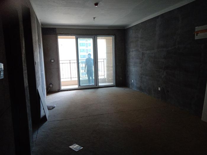 金泰名城15楼108平三室两厅两卫毛坯现房