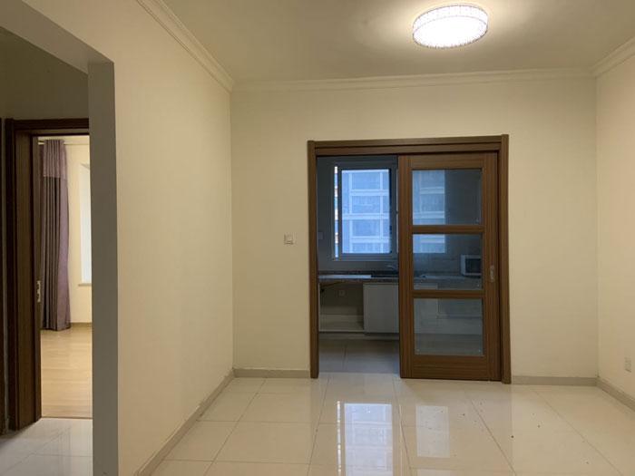 碧桂园天悦府11楼134平精装三室两厅,总高18楼。
