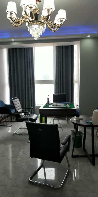 西关幸福家园隔壁公寓楼电梯5楼,总高6楼,84平精装修。