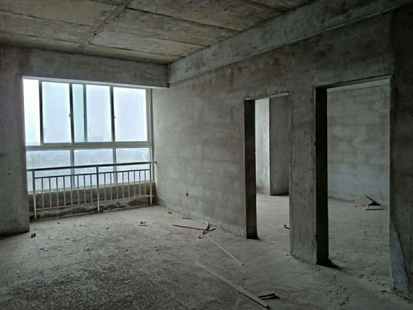 西关幸福家园隔壁公寓楼3楼,总高6楼,110平,毛坯现房,价格16万。