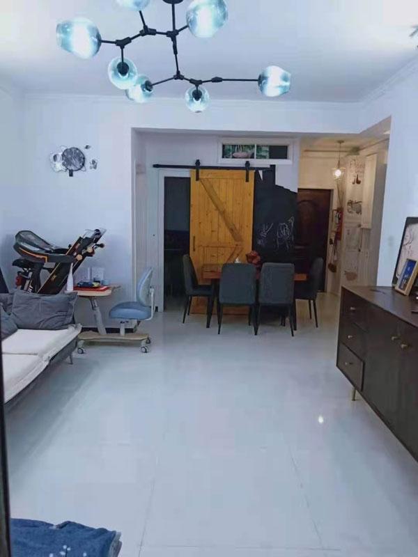 九鼎一品电梯2楼,98平大两室,精装修,全屋地暖,满五唯一。