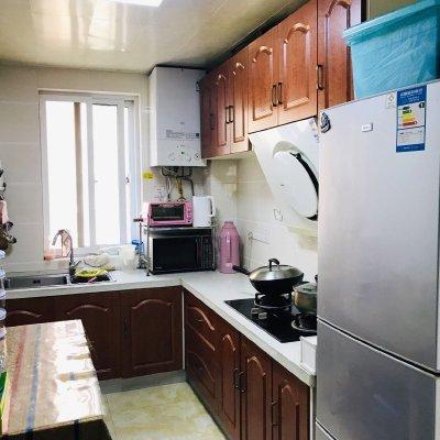 丽晶国际A区中间楼层117平,三室两厅,精装修,产证齐全可贷款,新城区学区房。